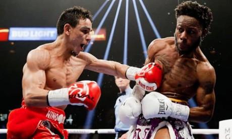 Le boxeur franco-marocain, Nordine Oubaali a été logiquement déclaré vainqueur à l'unanimité des trois juges (117-111, 116-112, 115-113) et a signé sa 15e victoire.  Ph : DR