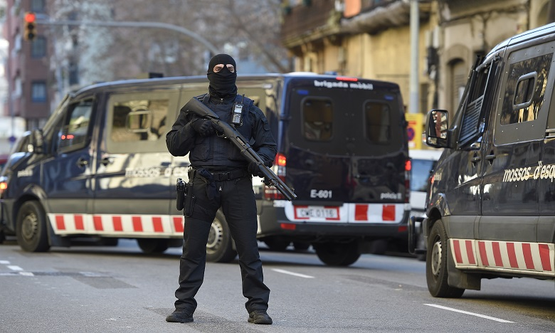 Plus de 100 agents ont été déployés dans le cadre de cette opération réalisée sur ordre de l'Audience nationale. Ph. AFP
