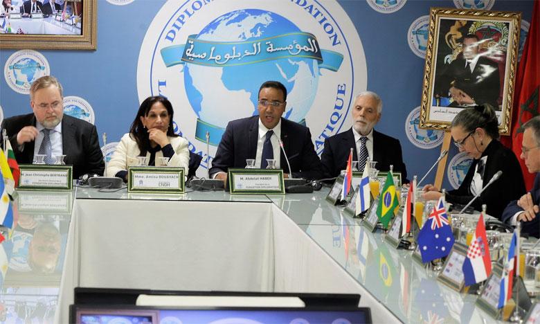 Amina Bouayach présente l'approche «holistique» du CNDH devant des ambassadeurs accrédités au Maroc