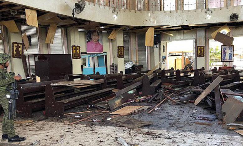18 morts dans un attentat contre la cathédrale de Jolo