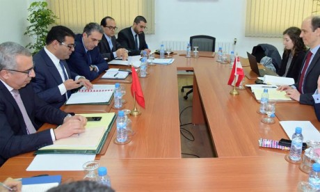 Des consultations politiques à Rabat pour renforcer la coopération bilatérale dans plusieurs domaines