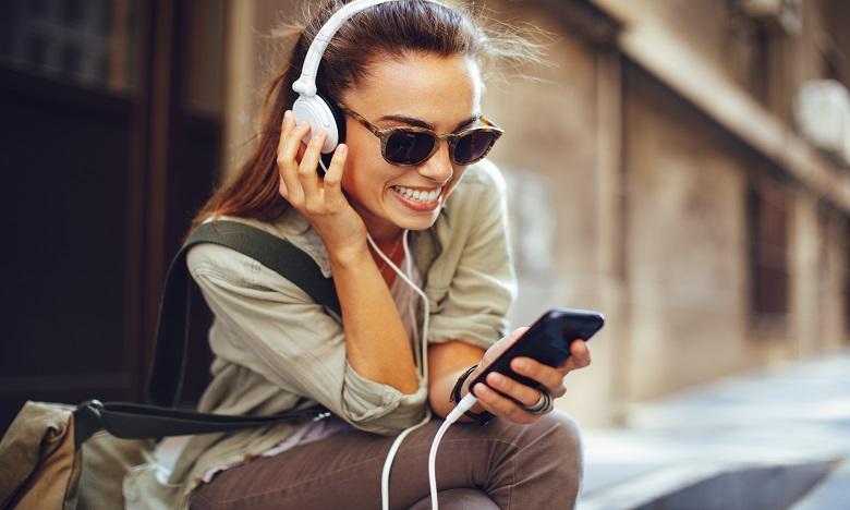 Les acouphènes : quand la musique menace notre santé auditive