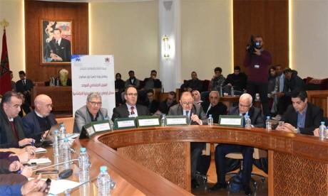 Hakim Benchamach plaide pour une loi-cadre sur le Registre social unifié.                                  Ph. Kartouch