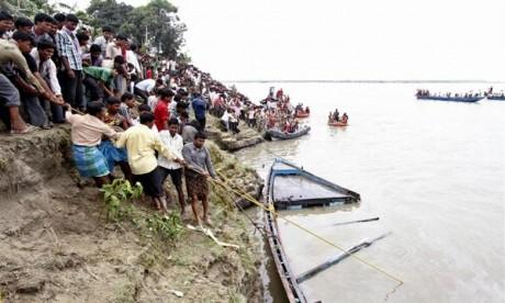 Inde : Naufrage mortel d'une embarcation, bilan, 9 morts