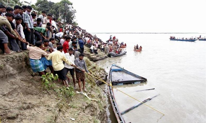 L'embarcation s'est renversée lorsque plusieurs passagers ont tenté de débarquer en même temps, les secouristes ont réussi à sauver 45 passagers. Mais comme la nuit tombait et l'opération de sauvetage est devenue difficile. Ph : Archives