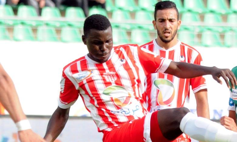 La victoire a permis au Hassania Union Sport d'Agadir (HUSA) de rejoindre le Wydad Athletic Club de Casablanca (WAC à la tête du classement avec un total de 24 points. Ph : Seddik