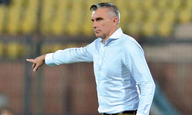 En mars, Carteron a l'occasion de se venger de l'Espérance de Tunis, qui l'a battu en finale de la Ligue des champions.