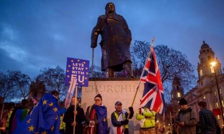 A dix semaines seulement de la sortie prévue de l'Union européenne, le 29 mars, la dirigeante conservatrice doit trouver une voie pour éviter à la cinquième économie mondiale une rupture sans accord. Ph : DR