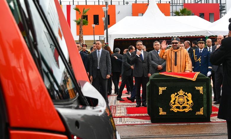 S.M. le Roi lance la mise en service de la deuxième ligne du tramway de Casablanca