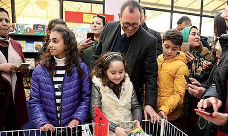 La petite Meryem Amjoun désignée ambassadrice  de la lecture par l'AREF