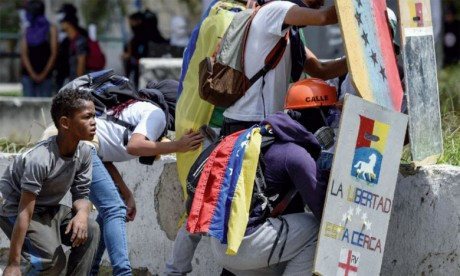 Plus de 350 manifestants arrêtés cette semaine, 20 morts