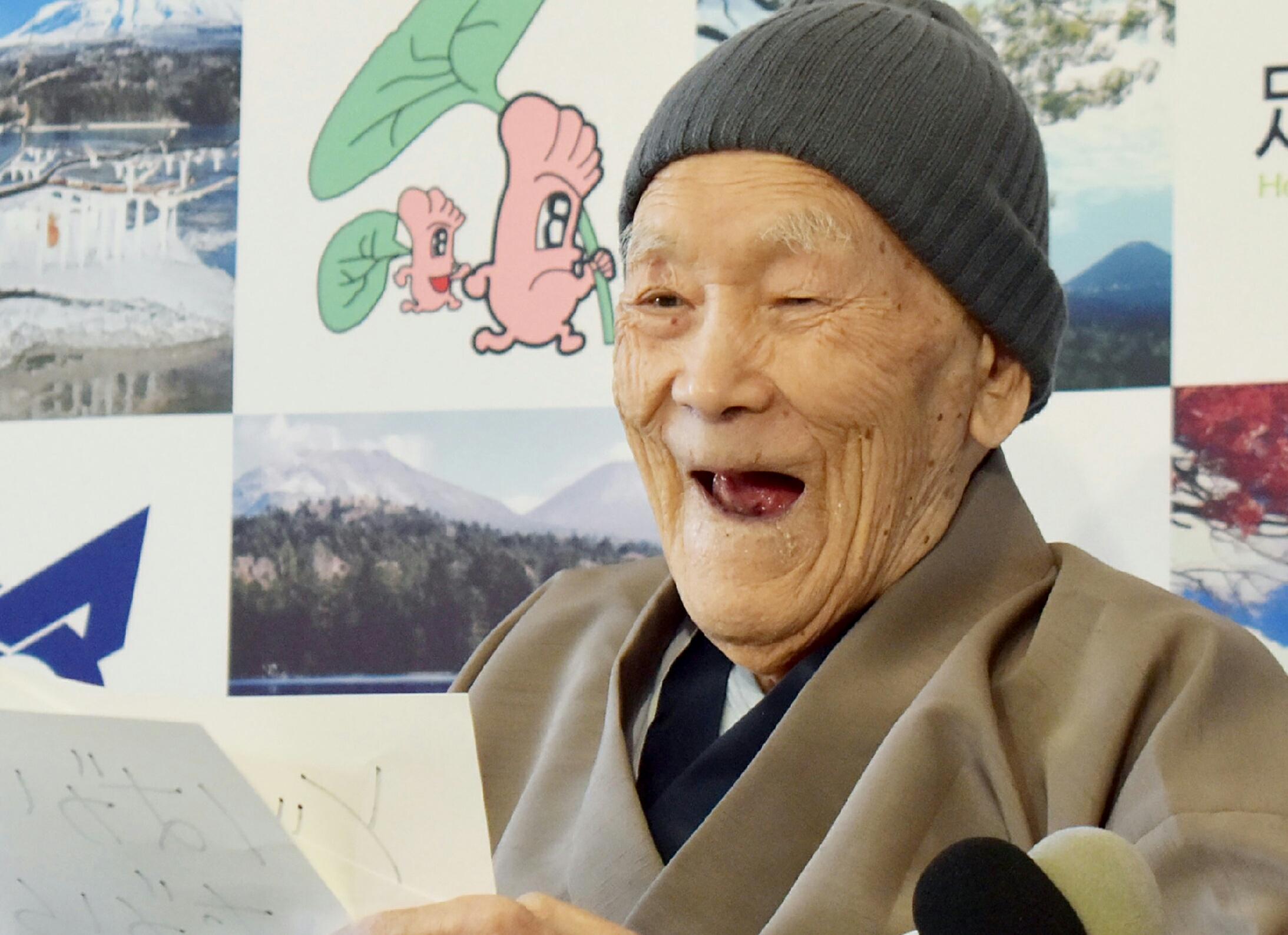 """Décès à 113 ans de """"l'homme le plus âgé du monde"""""""
