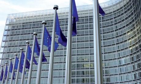 Secteurs stratégiques : L'UE contrôle les investissements étrangers