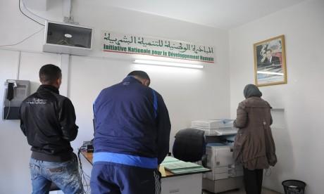 INDH: Le gouverneur de la préfecture d'arrondissement Hay Hassani appelle à œuvrer pour le succès de la 3e phase