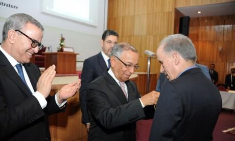 Remise de Wissams Royaux à des magistrats et des fonctionnaires de la justice