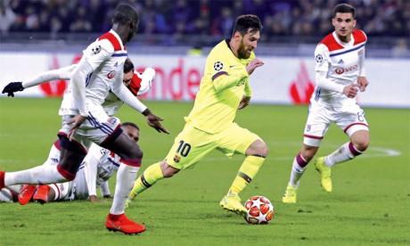 Lyon reste en vie, Liverpool contrarié
