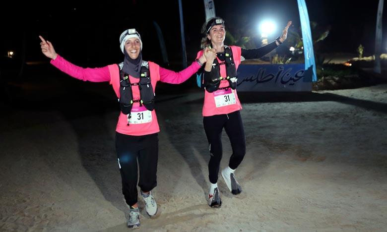 Le duo vainqueur s'est dit «extrêmement heureux» de cette victoire au bout de cette «expérience unique», ajoutant qu'«en dépit de la difficulté de l'étape et de la faible luminosité, nous avons réussi à atteindre notre objectif». Ph : MAP