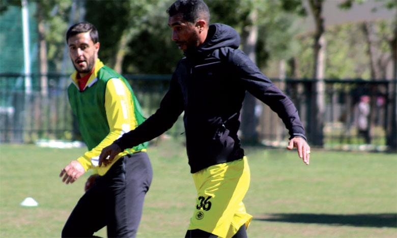 Hamza Bourezouk prend trois matchs  fermes de suspension