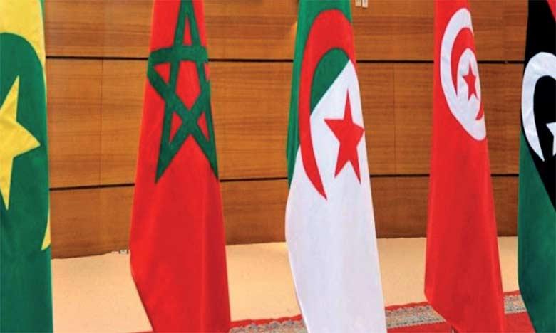 Le Parti authenticité et modernité reçoit 17 partis  politiques nord-africains