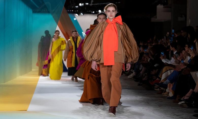 Des manifestations pour le climat perturbent la London Fashion Week