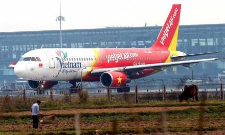 Un avion de Vietjet Air atterrit en urgence à cause d'une alarme
