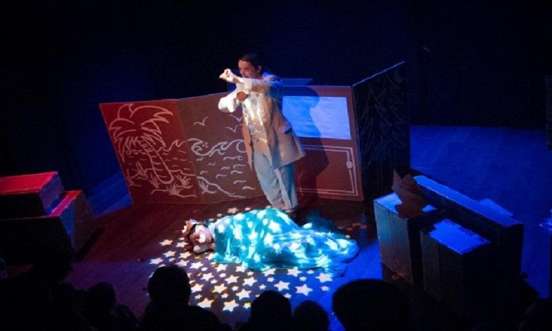 Studio des Arts vivants présente le spectacle «Pays Toutencarton»