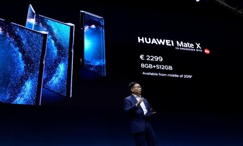 Après Samsung, Huawei lance son téléphone pliable