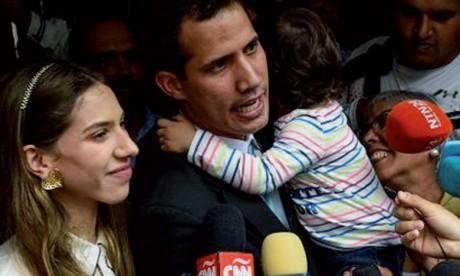 Le Président autoproclamé Guaido dénonce  les tentatives d'intimidation des forces de l'ordre