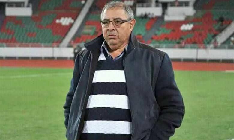 Aziz El Amri laisse derrière lui un bilan mitigé – cinq défaites, pour une seule victoire – avec l'équipe de la ville ocre qui stagne à la dernière place et qui est plus que jamais menacée de relégation en D2.
