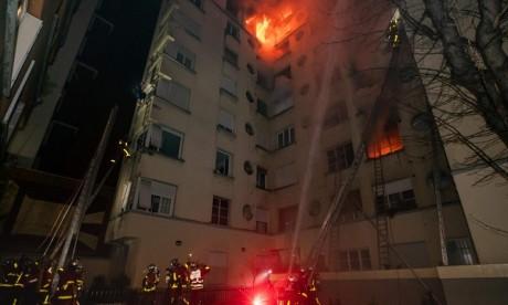 Incendie à Paris : le bilan s'alourdit à dix morts