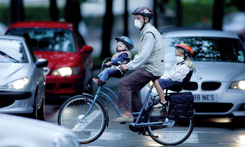 L'agence salue certaines réponses jugées efficaces pour lutter contre les différents types de risques environnementaux, comme la gestion du trafic routier et la pratique généralisée du vélo. Ph. AFP