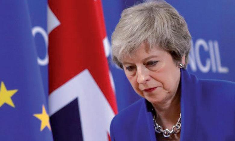 Theresa May pressée de reporter le Brexit par son propre camp