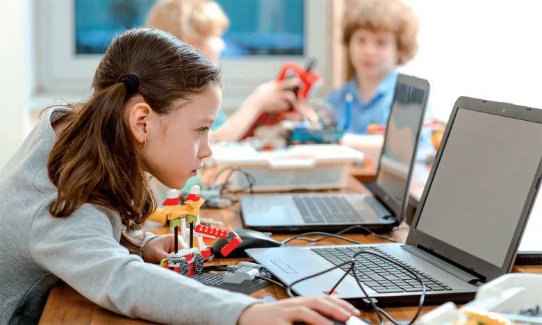 Réinventer les systèmes éducatifs grâce aux TIC