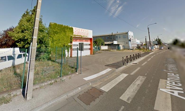 Le sinistre a ravagé environ 3.000 m2 d'un atelier, qui appartiennent à l'école de production Boisard.  Ph : DR