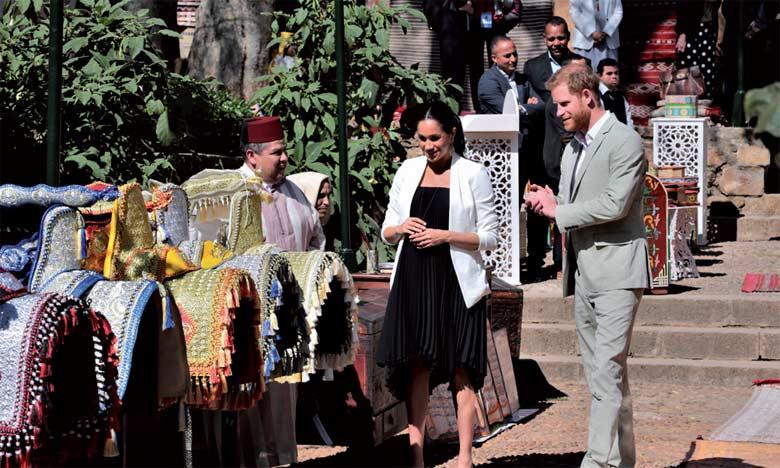 Le Prince Harry et son épouse visitent les Jardins andalous et découvrent la richesse de l'artisanat marocain