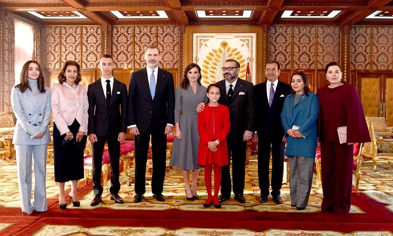 Sa Majesté le Roi Mohammed VI préside la cérémonie d'accueil officiel à Rabat  de S.M. le Roi Felipe VI d'Espagne et la Reine Doña Letizia