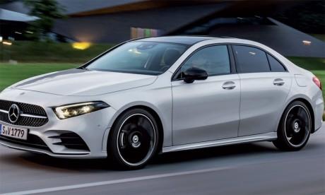 La Mercedes Classe A Sedan évolue à contre-courant en faisant preuve d'aérodynamisme grâce à sa partie avant inclinée.