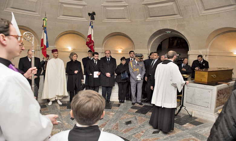 S.A.R. le Prince Héritier Moulay El Hassan représente S.M. le Roi aux obsèques du Comte de Paris, Henri d'Orléans