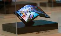 Les smartphones pliables trouveront bien acquéreurs mais à nombre réduit en raison de leur prix élevés. Ph. Shutterstock