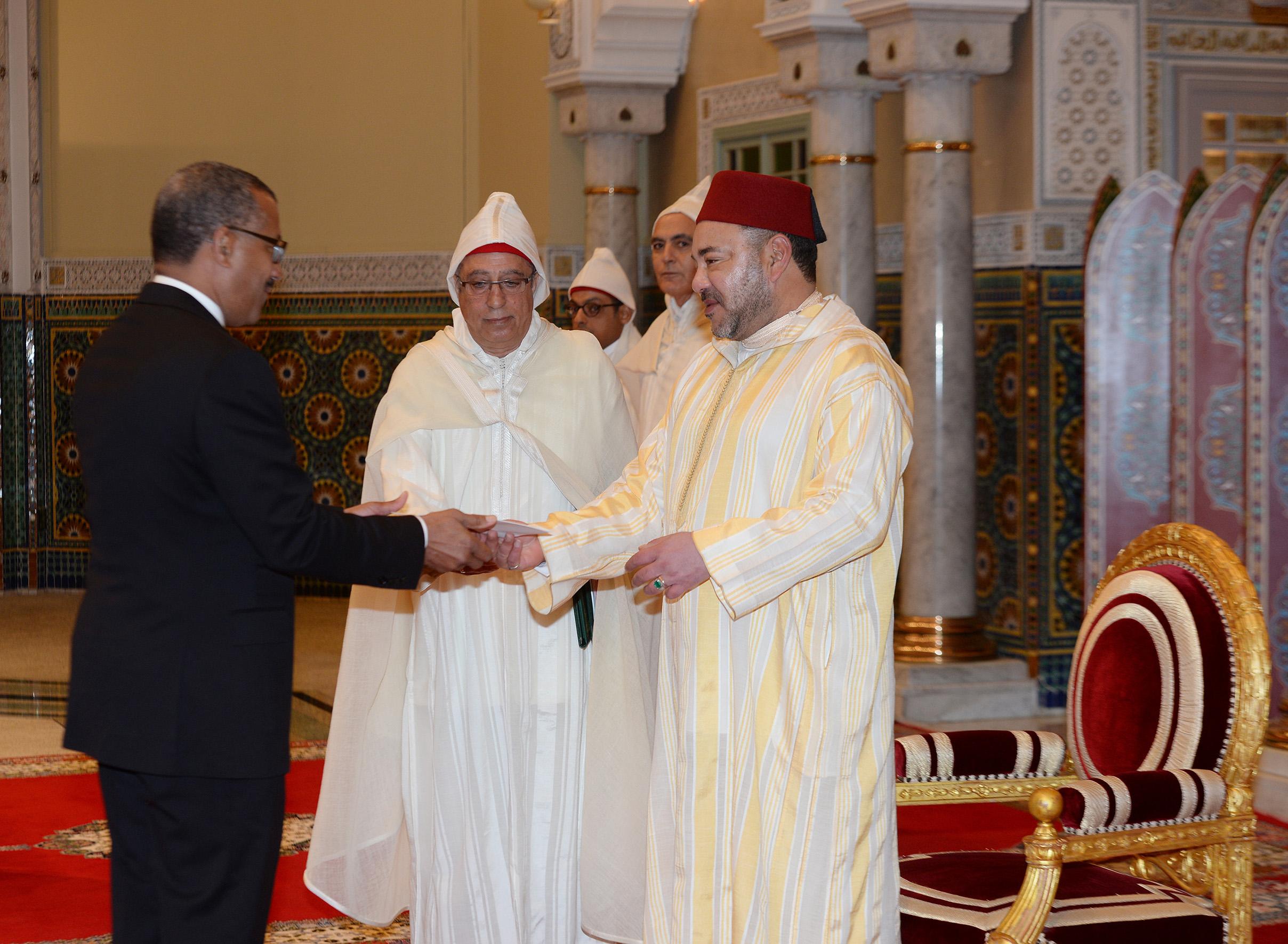 S.M. le Roi reçoit plusieurs ambassadeurs étrangers