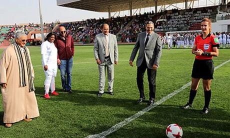 D'anciennes joueuses du FC Barcelone à Laâyoune pour encourager le football féminin au Maroc