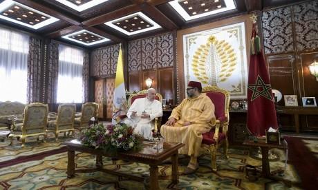 Entretiens en tête-à-tête entre S.M. le Roi Mohammed VI, Amir Al-Mouminine, et Sa Sainteté le Pape François