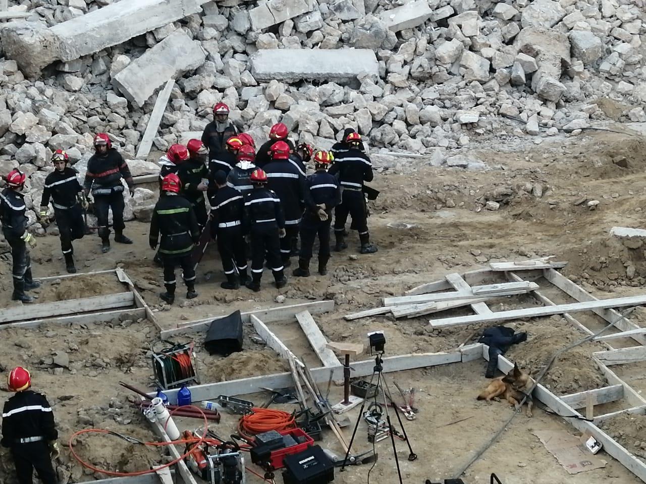 Effondrement d'un mur à Casablanca: les cadavres de deux ouvriers sortis des décombres