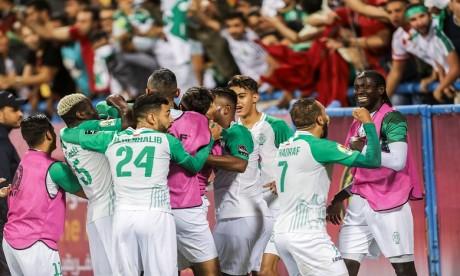 Le Raja de Casablanca domine l'Espérance de Tunis et remporte la Supercoupe d'Afrique