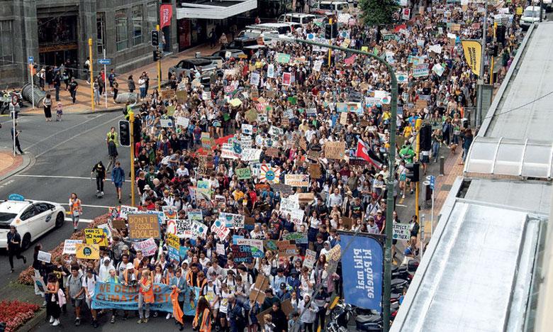 Les jeunes dans la rue pour  interpeller leurs gouvernements