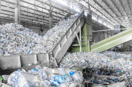 Déchets plastiques: Veolia et Nestlé s'associent pour améliorer le recyclage
