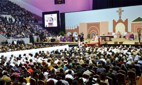 Le Pape François préside une cérémonie religieuse au complexe sportif Prince Moulay Abdellah