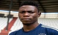 Arsène Zola, défenseur du TP Mazembé, aurait dépassé de quelques semaines 23 ans. Ph. AFP