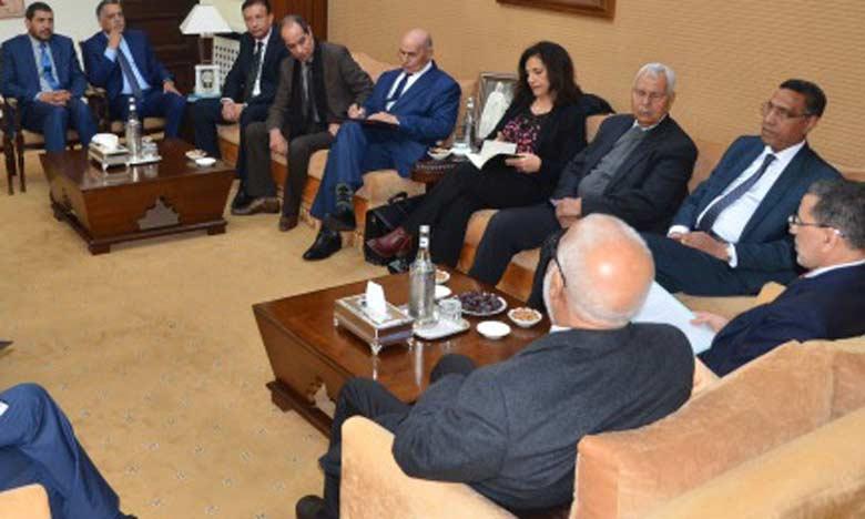 Une précédente réunion entre le Chef de gouvernement et les centrales syndicales dans le cadre du dialogue social.