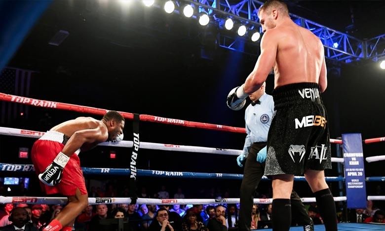 Gvozdyk conserve son titre de champion WBC des  mi-lourds de boxe